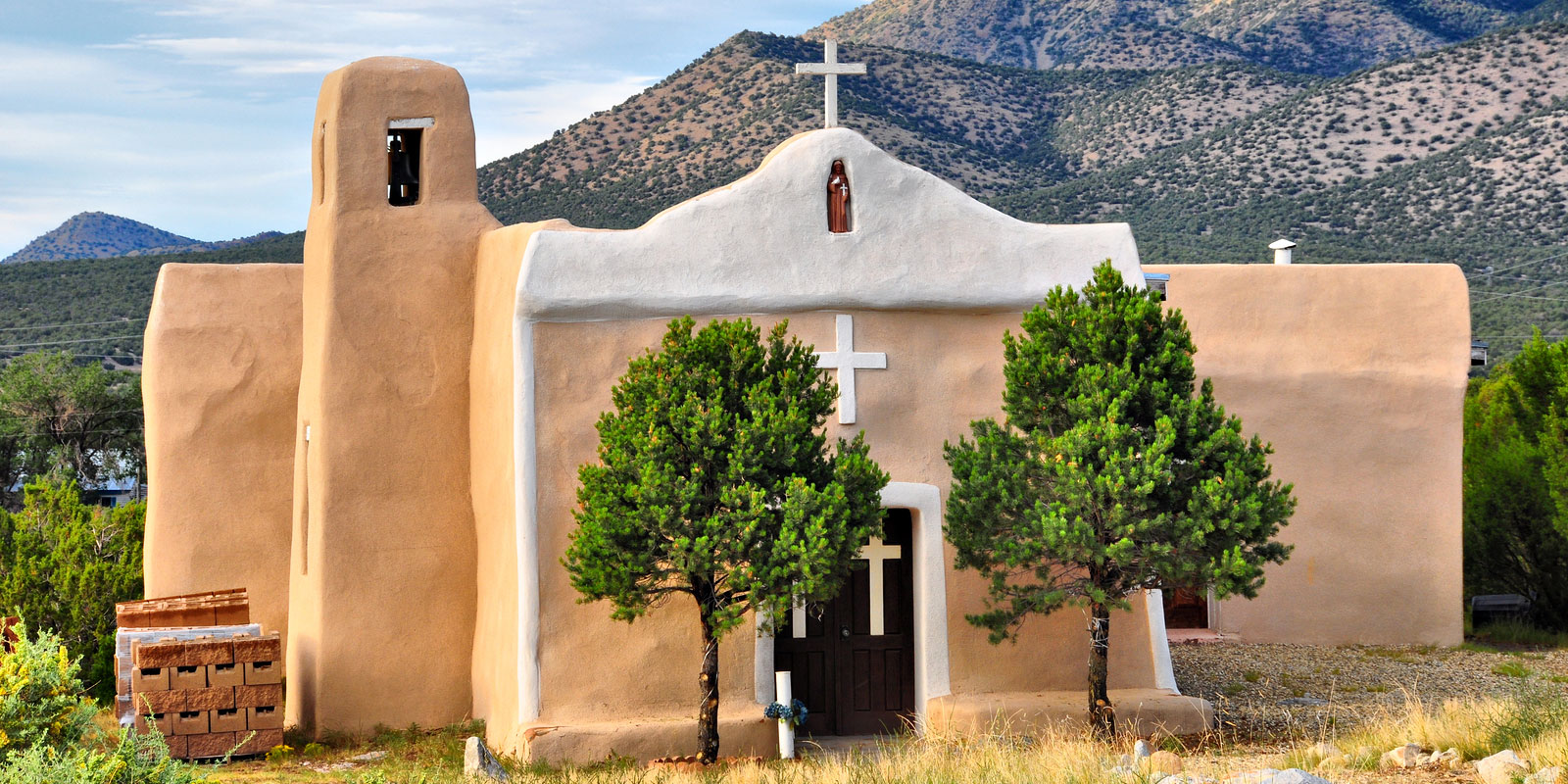 Travel the Turquoise Trail